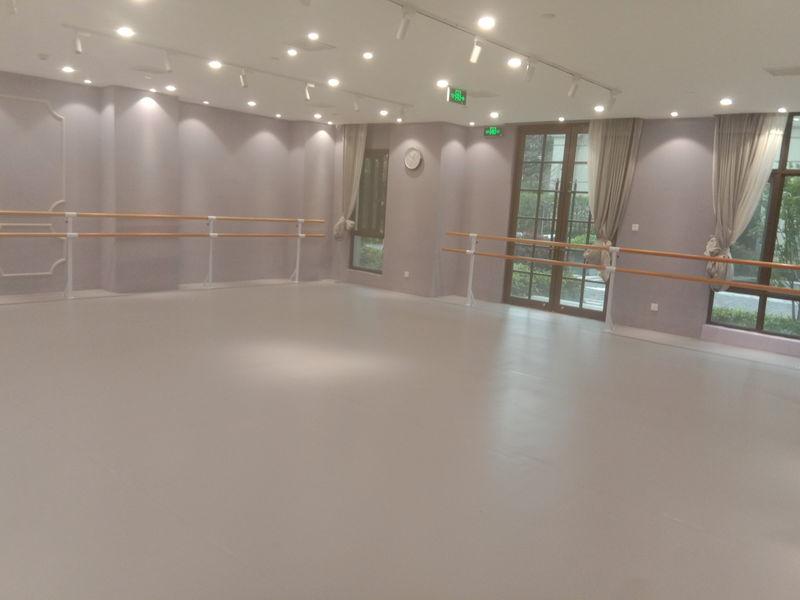 上海普陀区个人舞蹈室小丑地胶铺设案例