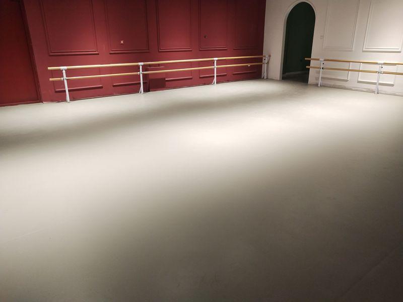 内蒙古乌兰察布舞蹈室小丑地胶铺设案例
