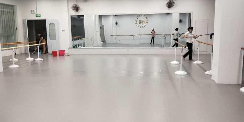 海南海口舞言舞蹈室小丑地胶施工案例