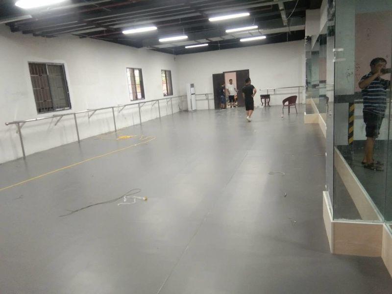 贵州乐致艺术培训学校小丑地胶安装案例
