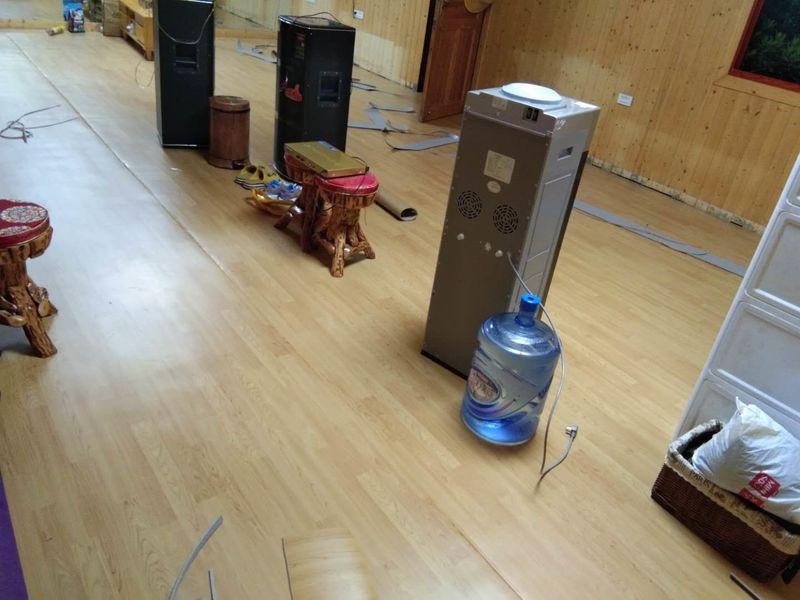 贵州毕节工人舞蹈室小丑地胶铺装案例