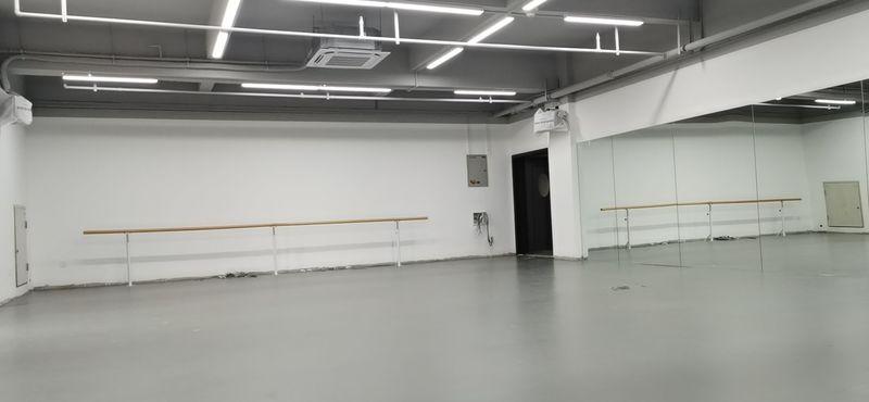 重庆渝北个人舞蹈室小丑地胶施工案例