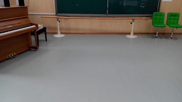 草桥小学舞蹈室.jpg